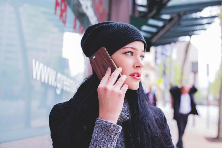 girl talking on phone